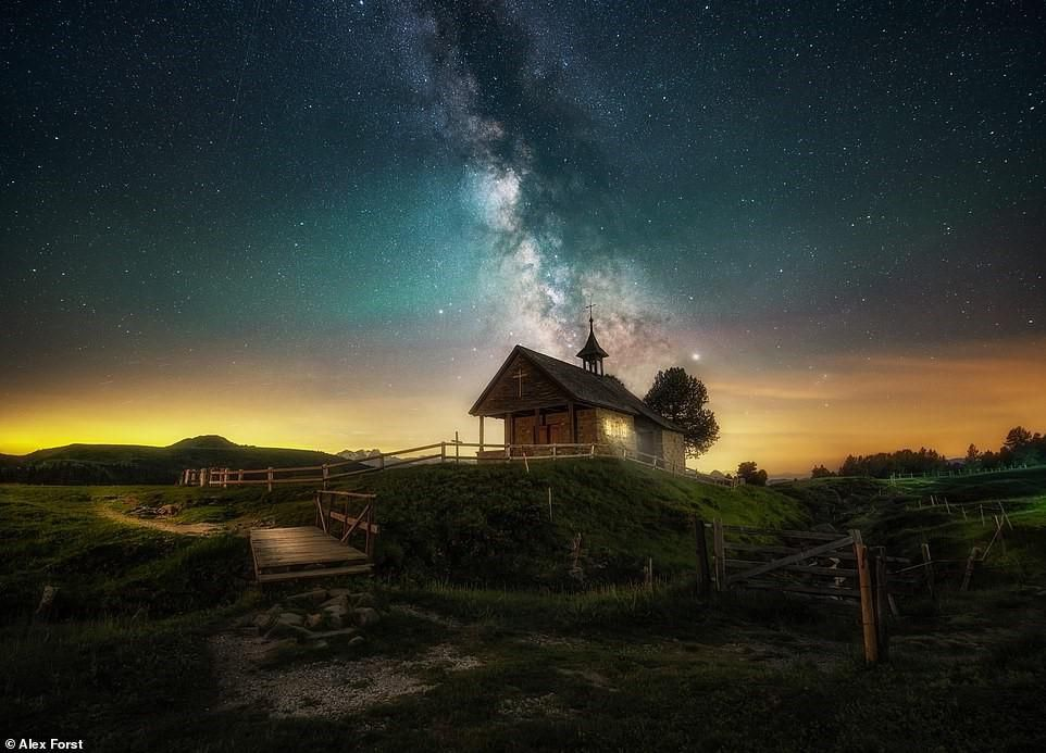 Chiêm ngưỡng vẻ đẹp mê hồn bầu trời đêm đầy sao ở Thụy Sĩ Ảnh 5