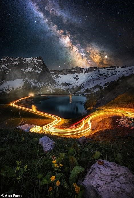Chiêm ngưỡng vẻ đẹp mê hồn bầu trời đêm đầy sao ở Thụy Sĩ Ảnh 10