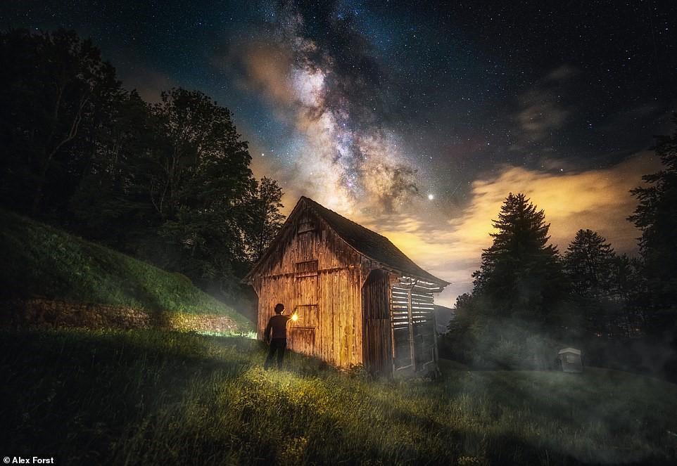 Chiêm ngưỡng vẻ đẹp mê hồn bầu trời đêm đầy sao ở Thụy Sĩ Ảnh 20