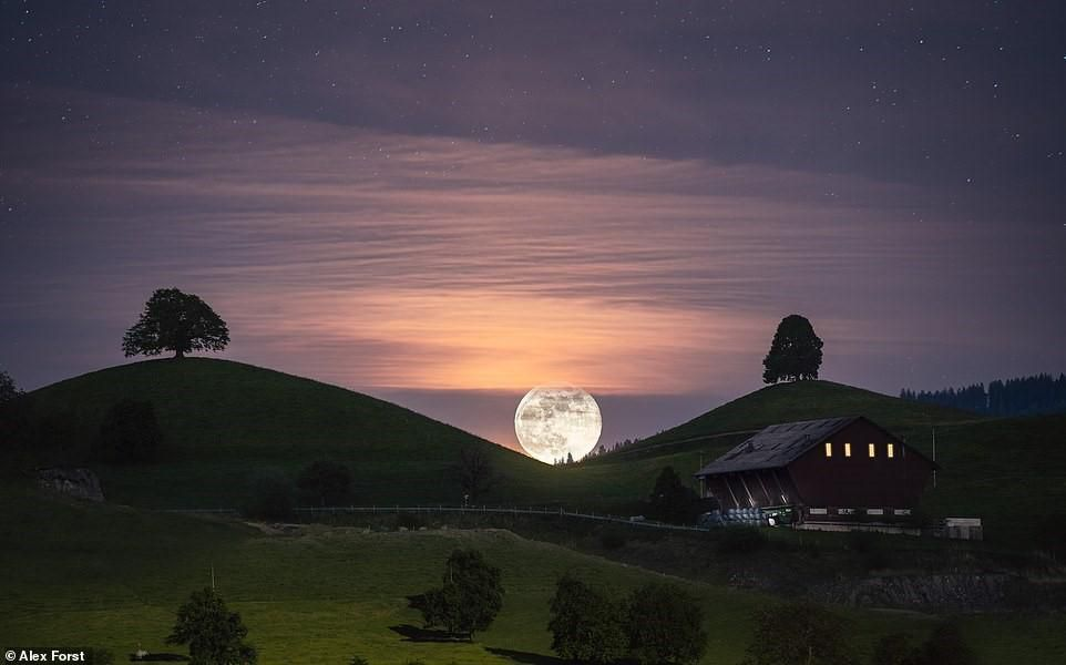 Chiêm ngưỡng vẻ đẹp mê hồn bầu trời đêm đầy sao ở Thụy Sĩ Ảnh 11