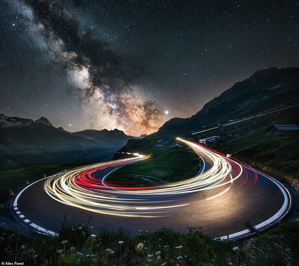 Chiêm ngưỡng vẻ đẹp mê hồn bầu trời đêm đầy sao ở Thụy Sĩ Ảnh 2