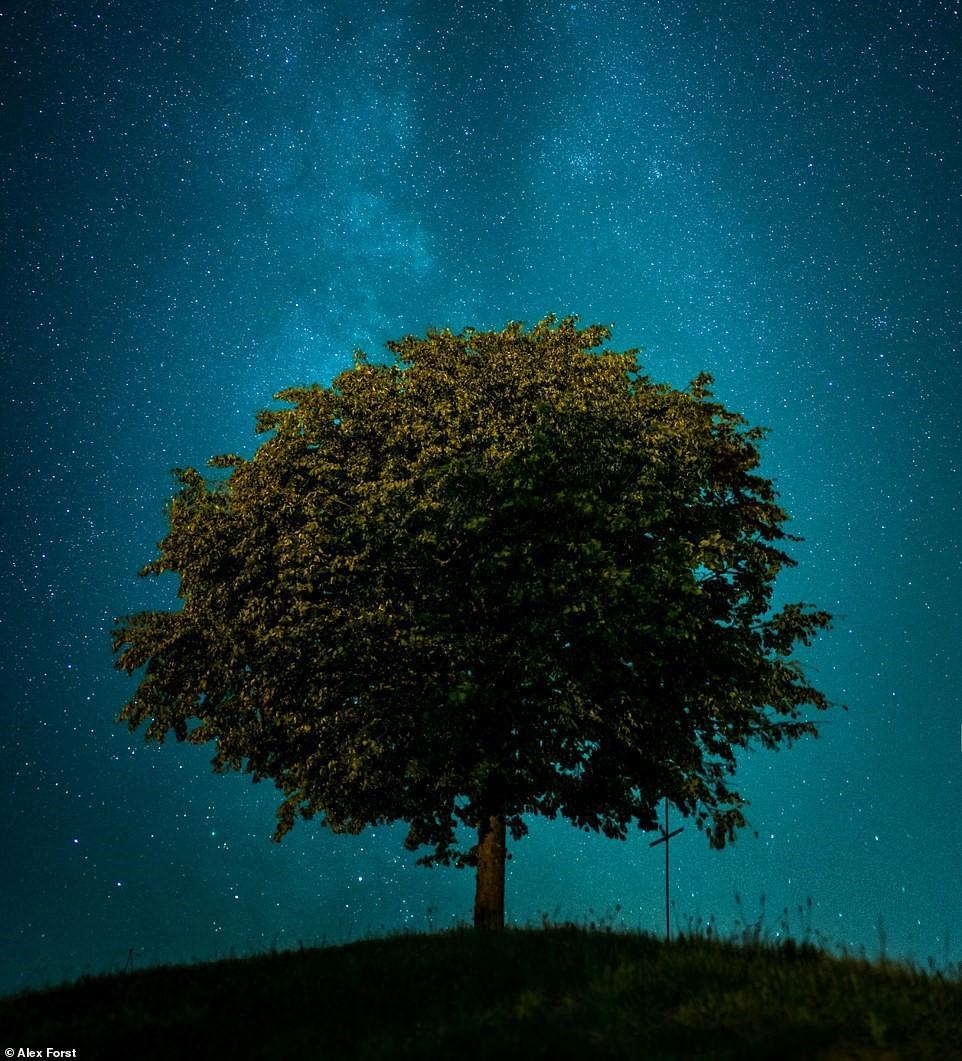 Chiêm ngưỡng vẻ đẹp mê hồn bầu trời đêm đầy sao ở Thụy Sĩ Ảnh 4