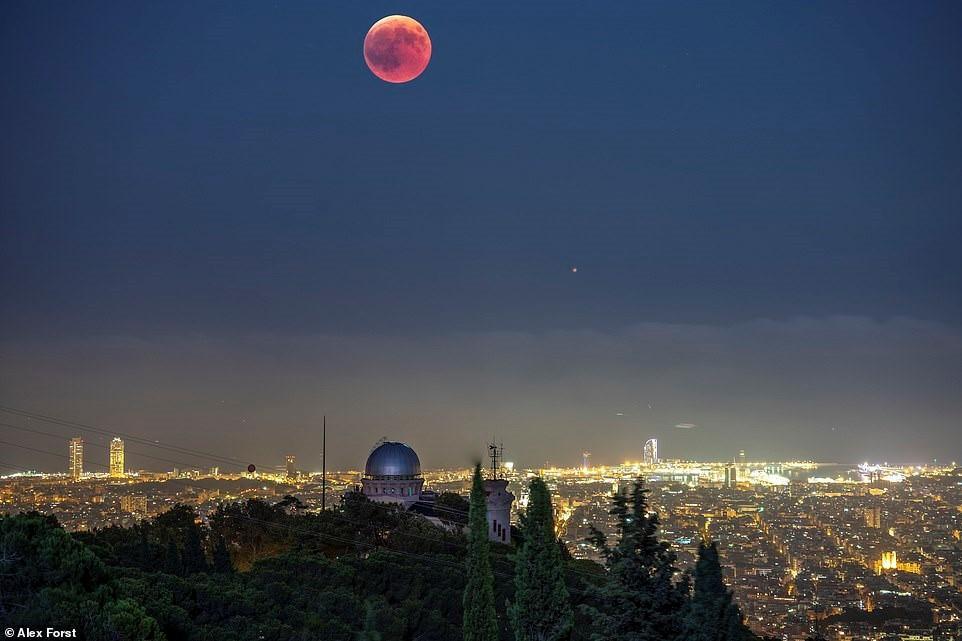 Chiêm ngưỡng vẻ đẹp mê hồn bầu trời đêm đầy sao ở Thụy Sĩ Ảnh 12