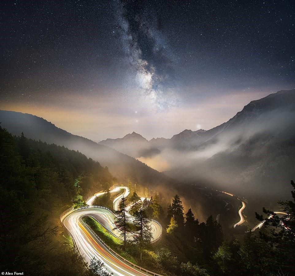 Chiêm ngưỡng vẻ đẹp mê hồn bầu trời đêm đầy sao ở Thụy Sĩ Ảnh 17