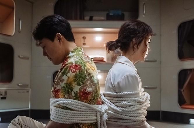 'Ô kê, chị đại': Khi 'Nữ hoàng gợi cảm' xứ Hàn hóa đả nữ đánh đấm siêu chất Ảnh 2