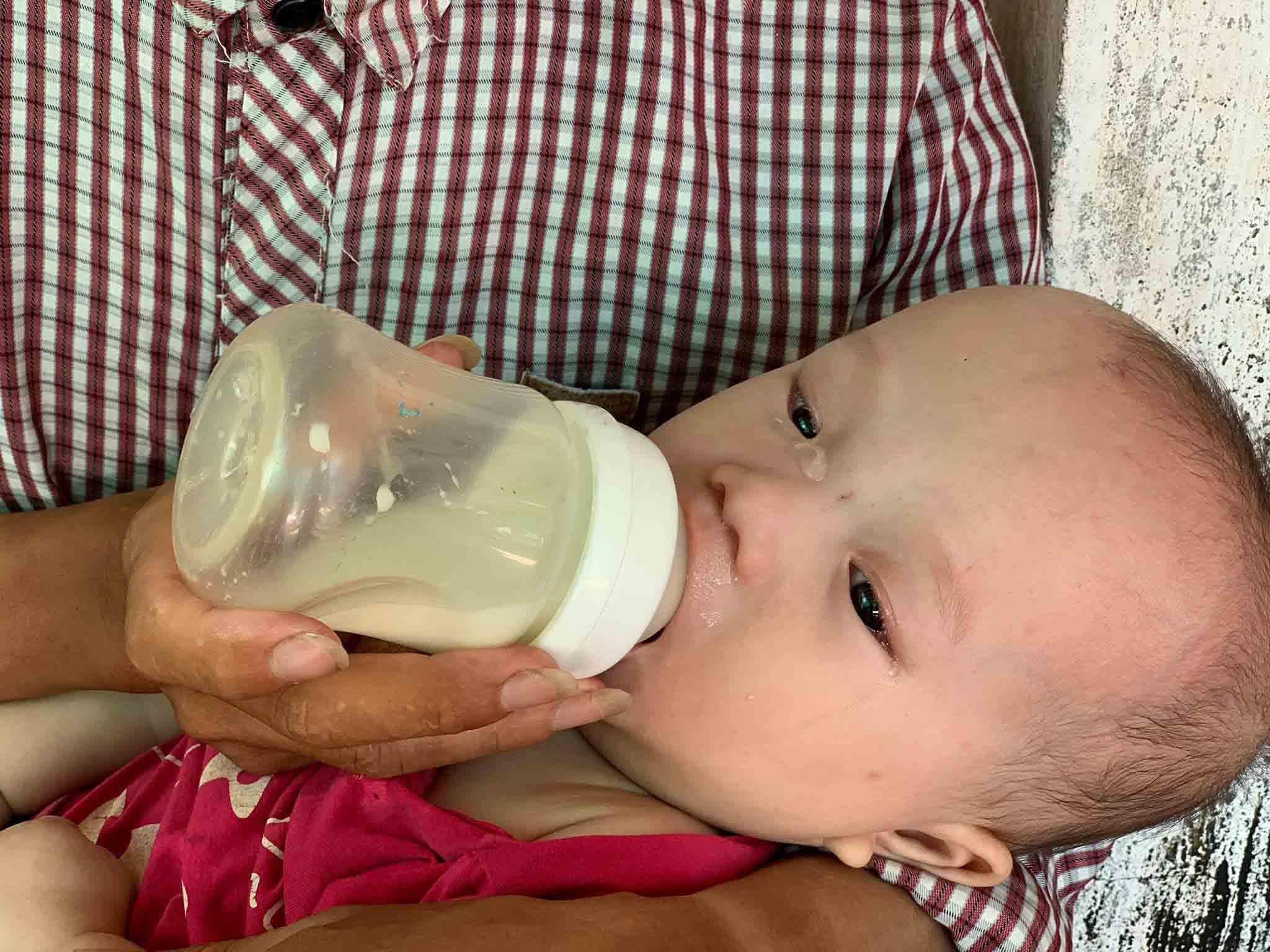 Cảnh ngặt nghèo của người cha xe ôm có nhiều con cần mổ tim gấp Ảnh 4