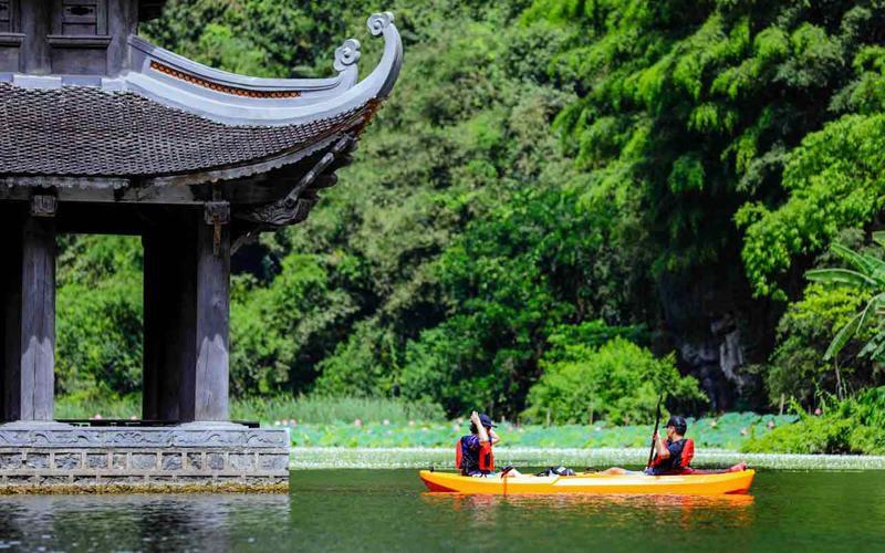 Chèo thuyền kayak ngắm cảnh Tràng An Ảnh 1