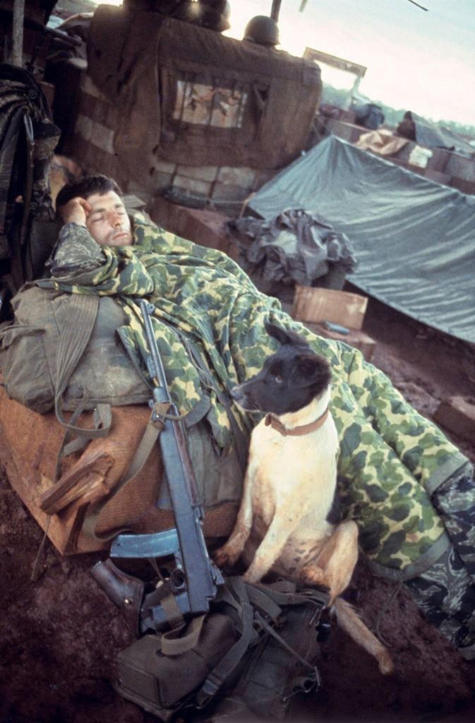 Ảnh độc: Giấc ngủ của lính Mỹ trong chiến tranh Việt Nam Ảnh 7