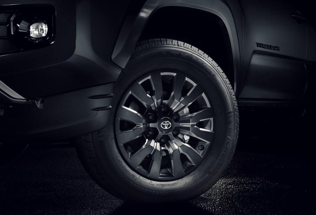 Bán tải Toyota Tacoma 2021 ra mắt, giá từ 26.150 USD Ảnh 10