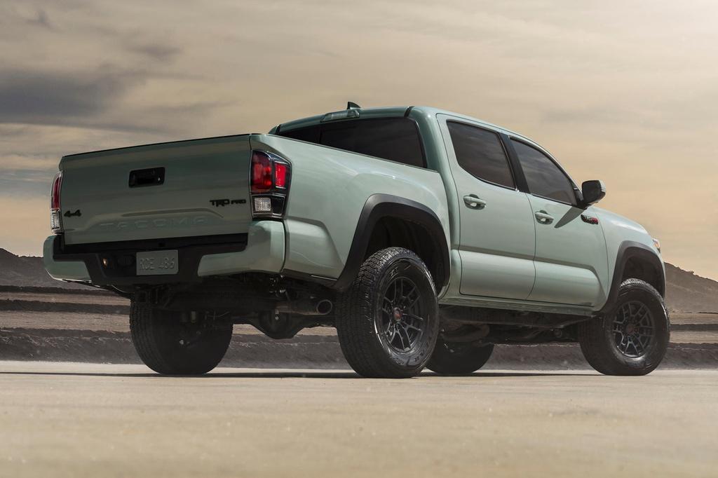 Bán tải Toyota Tacoma 2021 ra mắt, giá từ 26.150 USD Ảnh 2