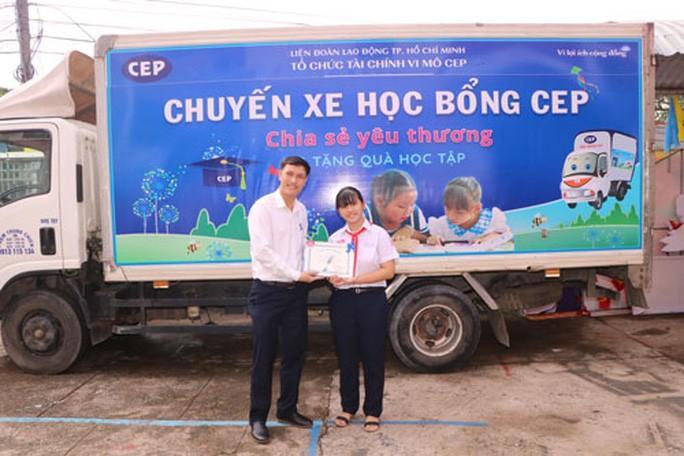 Bình Dương: Con của người lao động khó khăn được CEP tiếp sức đến trường Ảnh 1