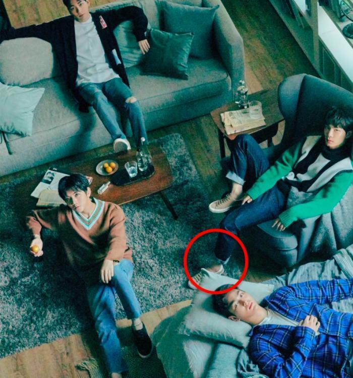 Những sự cố Photoshop khiến sao Hàn cũng té ngửa Ảnh 10