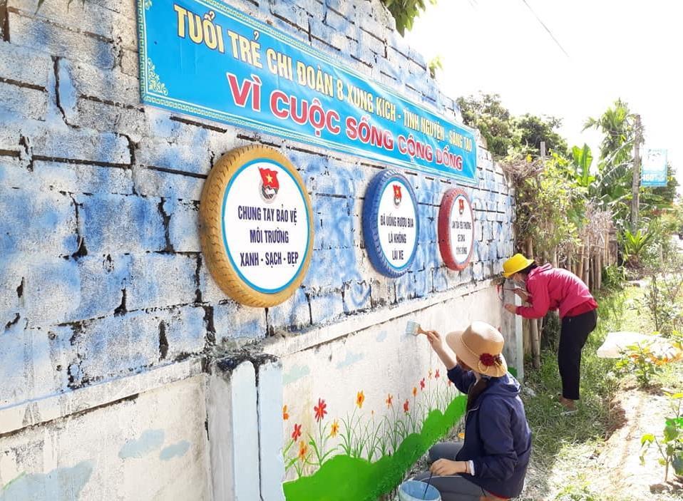 Cận cảnh những mảng tường 'biết nói' của chiến sỹ tình nguyện hè Ảnh 9