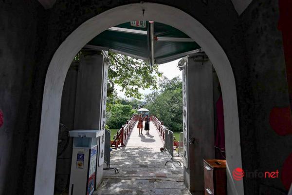 Các địa danh du lịch ở Hà Nội vắng khách ngày cuối tuần Ảnh 14