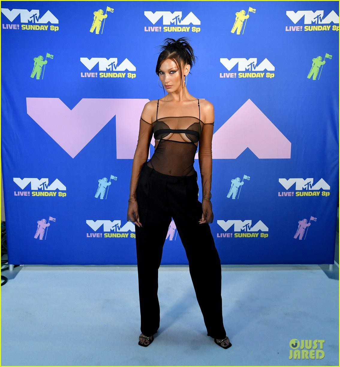 Loạt sao mặc 'bốc' nhất VMAs 2020 Ảnh 4