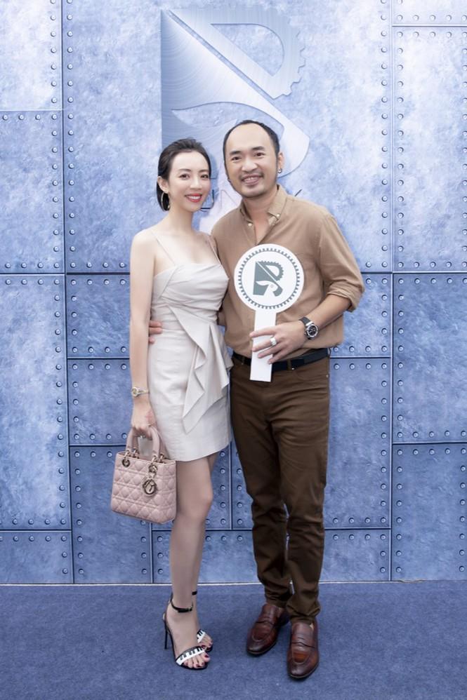 Gần nửa showiz Việt đã đến chúc mừng Ngô Kiến Huy lên chức ông chủ tiệm cà phê Ảnh 7
