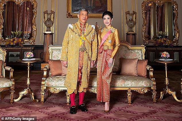 Vua Thái Lan có thể đã ân xá cho Hoàng quý phi sau 1 năm phế truất Ảnh 1