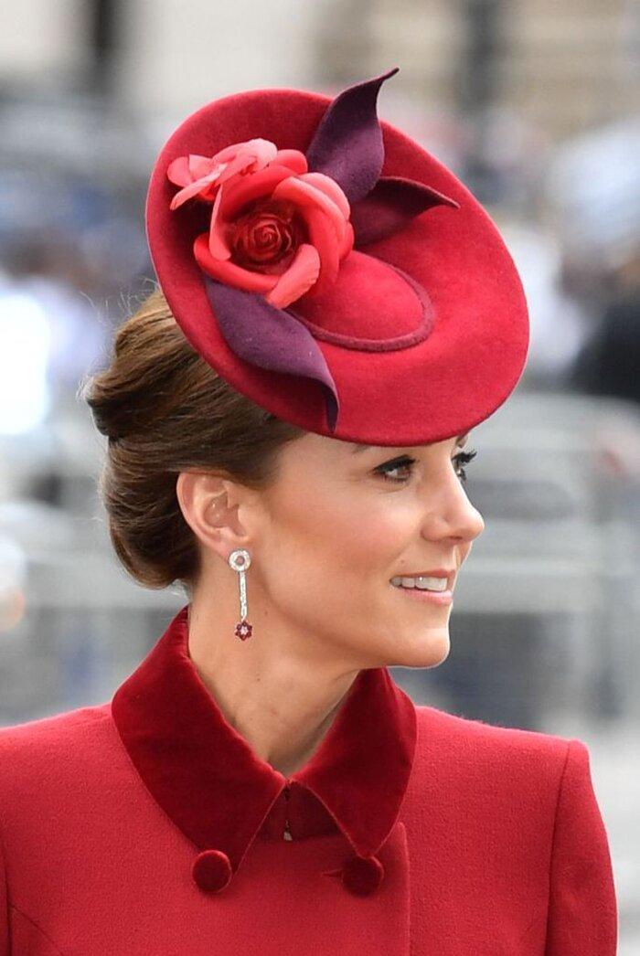 9 bí quyết thời trang tạo nên phong cách thanh lịch của phụ nữ hoàng gia Ảnh 10