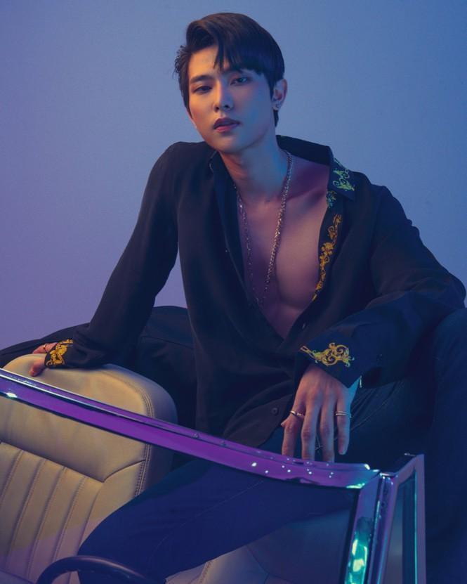 Uni5 phanh áo khoe body 6 múi, cơ bắp rắn chắc khiến fangirl 'xịt máu mũi' Ảnh 3