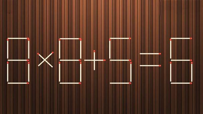 Di chuyển một que diêm biến phép tính 8 x 8 + 5 = 6 thành đúng Ảnh 1