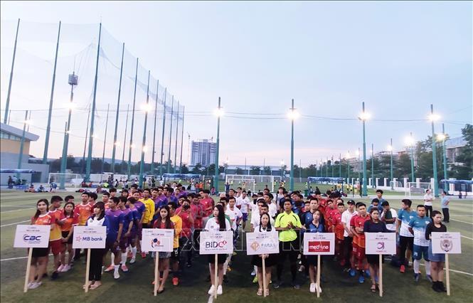 Khởi tranh giải bóng đá doanh nghiệp Việt Nam tại Campuchia Ảnh 2