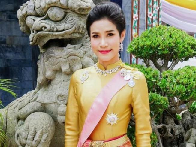 Vua Thái Lan phục hồi tước hiệu cho hoàng quý phi Ảnh 1