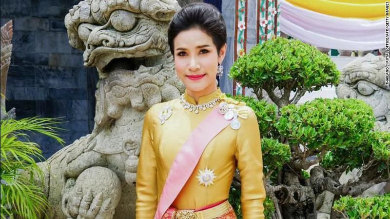 Vua Thái Lan phục hồi tước hiệu cho hoàng quý phi Ảnh 2