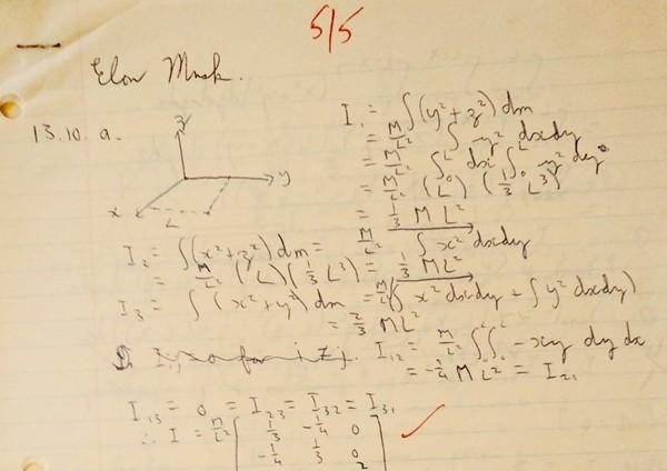 Tỷ phú Elon Musk đăng ảnh bài tập hồi đi học, cư dân mạng nhận ra một chi tiết rất thú vị Ảnh 2