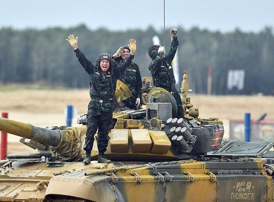 Sức mạnh vượt trội của xe tăng T-73B3 giúp Việt Nam gạ gục đối thủ, giành chiến thắng tại Tank Biathlon 2020 Ảnh 1