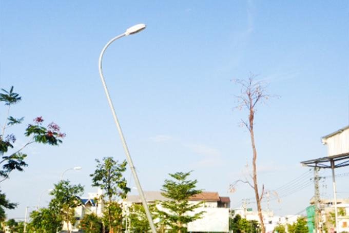 Trụ đèn bị nghiêng Ảnh 1