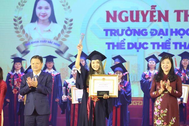 88 thủ khoa tốt nghiệp xuất sắc năm 2020 được vinh danh Ảnh 1