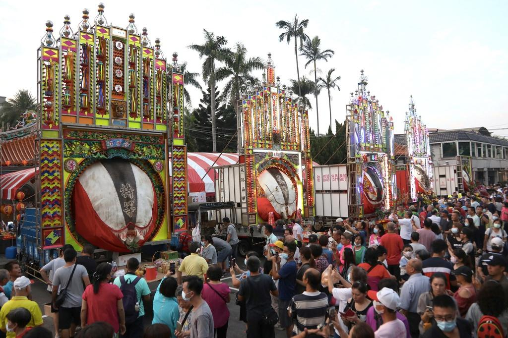 Lễ hội rước 'lợn thần' gây tranh cãi ở Đài Loan Ảnh 3