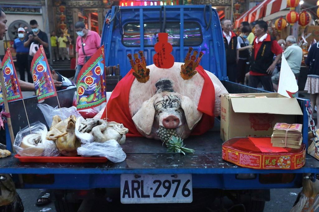Lễ hội rước 'lợn thần' gây tranh cãi ở Đài Loan Ảnh 9