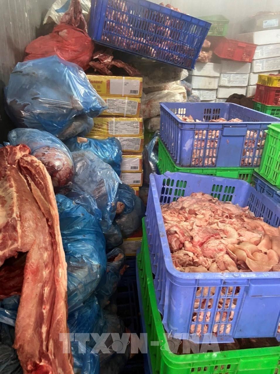 Hải Dương: Xử phạt đối tượng trữ hơn 1,46 tấn thịt lợn bốc mùi hôi thối Ảnh 2