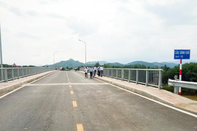 Nghiệm thu đưa vào sử dụng cầu Sông Chò Ảnh 1