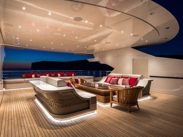 Siêu du thuyền giá thuê 2 triệu USD/tuần Ảnh 5