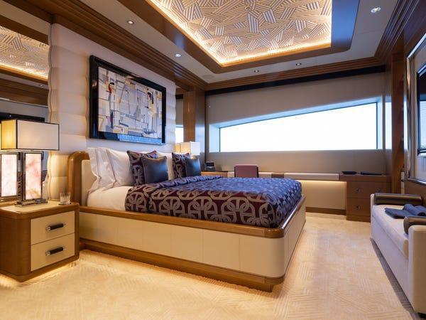 Siêu du thuyền giá thuê 2 triệu USD/tuần Ảnh 9