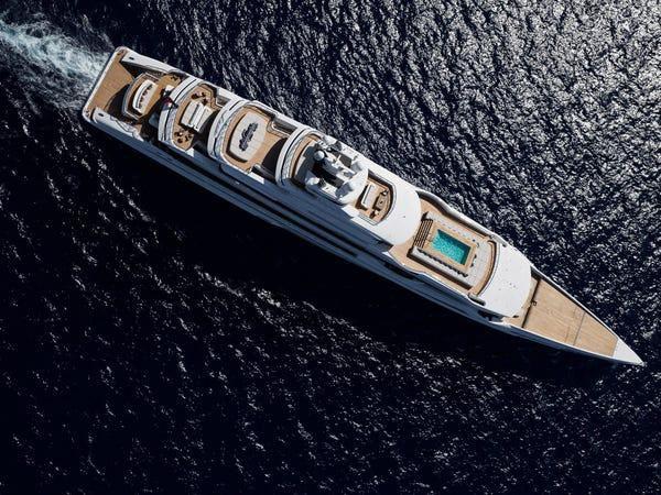 Siêu du thuyền giá thuê 2 triệu USD/tuần Ảnh 3