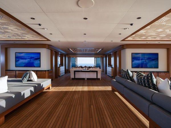 Siêu du thuyền giá thuê 2 triệu USD/tuần Ảnh 11