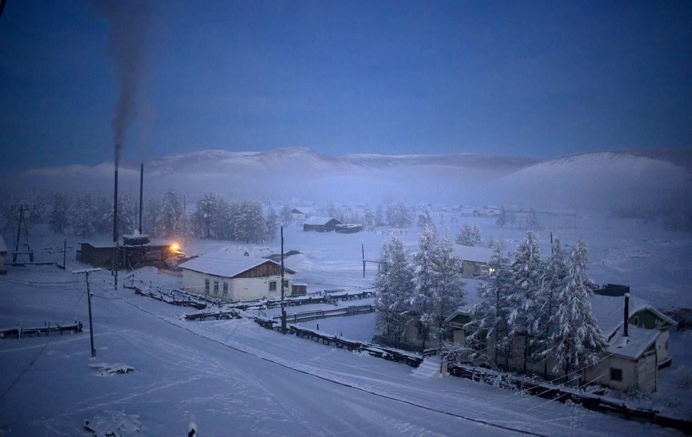 Khám phá ngôi làng lạnh nhất thế giới lại hiếm hoi ánh sáng Ảnh 4