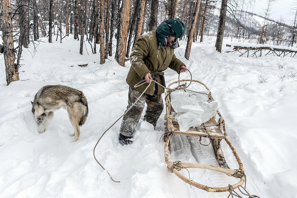 Khám phá ngôi làng lạnh nhất thế giới lại hiếm hoi ánh sáng Ảnh 1