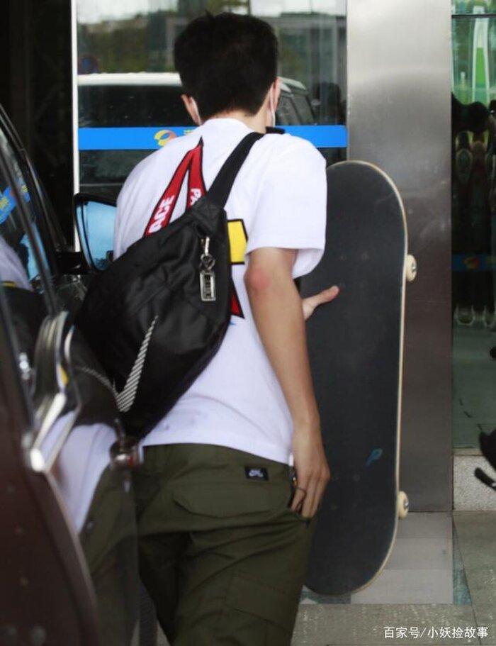 Fan và nhân viên trường quay lo lắng khi Vương Nhất Bác đột nhiên viêm đường ruột Ảnh 1