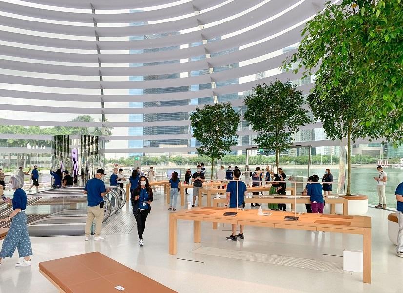 Bên trong Apple Store nổi trên vịnh ở Singapore Ảnh 4