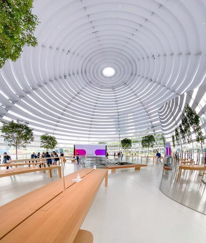 Bên trong Apple Store nổi trên vịnh ở Singapore Ảnh 5