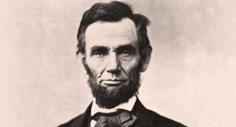 Lọn tóc của cố Tổng thống Abraham Lincoln bán được hơn 80.000 USD Ảnh 2