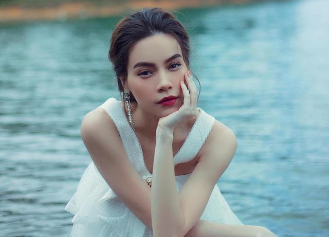 'Bà bầu' Hồ Ngọc Hà bỗng dưng nhạy cảm rơi nước mắt, sao Việt đã nhanh chóng động viên: Nghỉ dưỡng đón tình yêu bé Ảnh 1