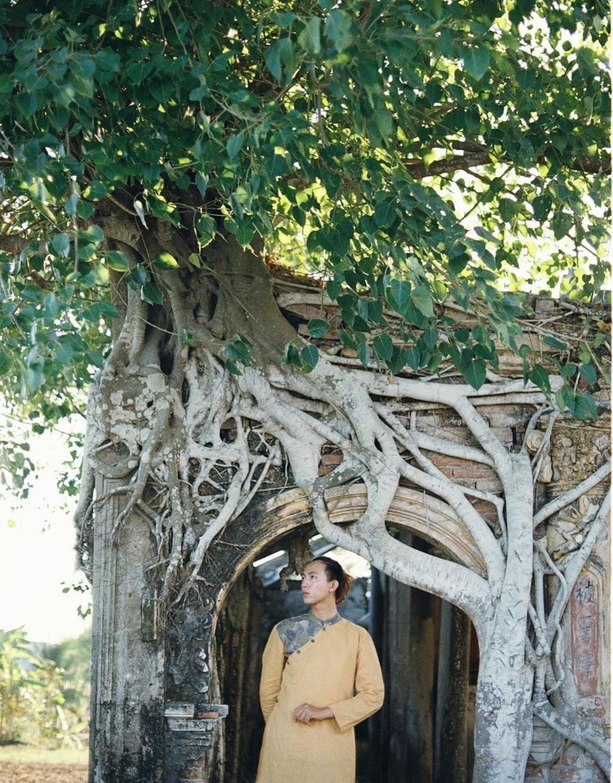 Ngôi đình hơn 100 tuổi nằm dưới bộ rễ cây bồ đề Ảnh 7