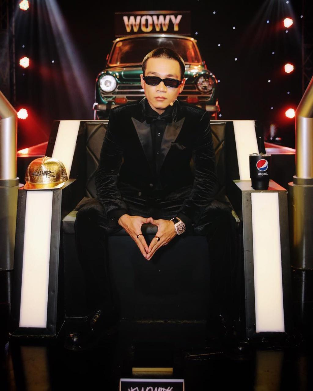 Giá trị trang phục của huấn luyện viên, giám khảo Rap Việt Ảnh 16