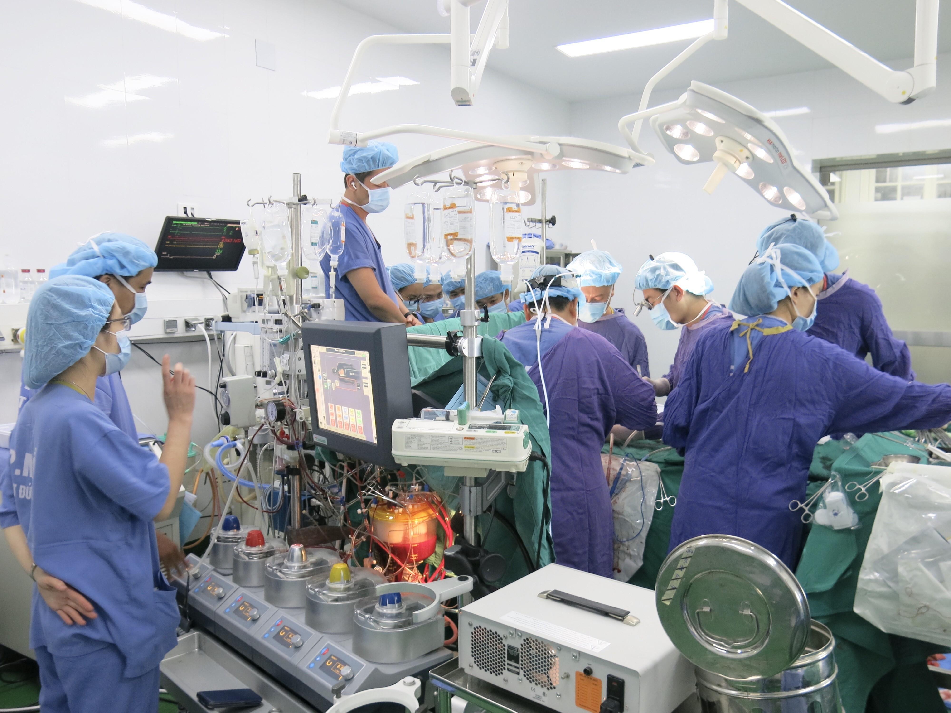 BV Việt - Đức thông tin về kỷ lục ghép tạng trong 13 ngày Ảnh 1