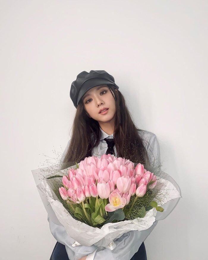 Từ Jisoo cho đến Lisa Black Pink nhận được 'cơn mưa' khen ngợi lẫn từ tạp chí hàng đầu thế giới Ảnh 1